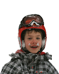 enfant avec un casque et un masque de ski