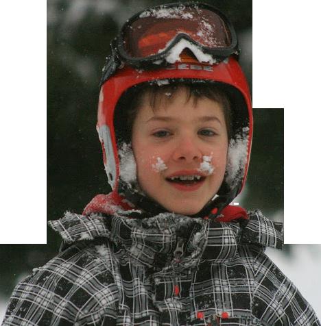 enfant plein de neige